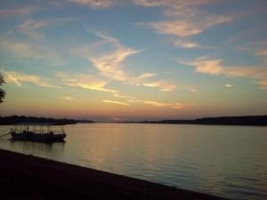widok na rzekę Sawę z wyspy Ada