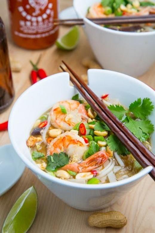Zupa tajska z krewetkami i trawą cytrynową (źródło: pinterest)