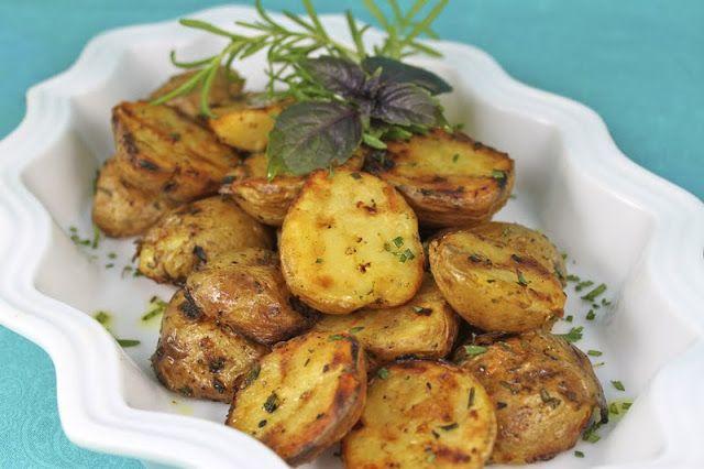 Pieczone ziemniaki z rozmarynek (źródło: pinterest)