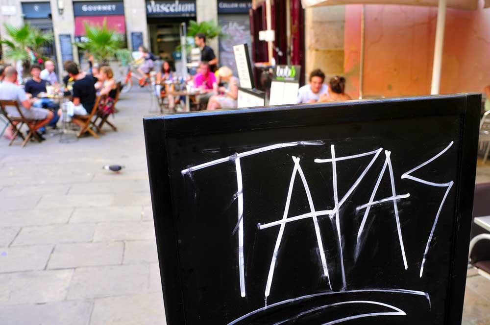 zdjecie tablicy z informacją tapas  - Hiszpania wakacje