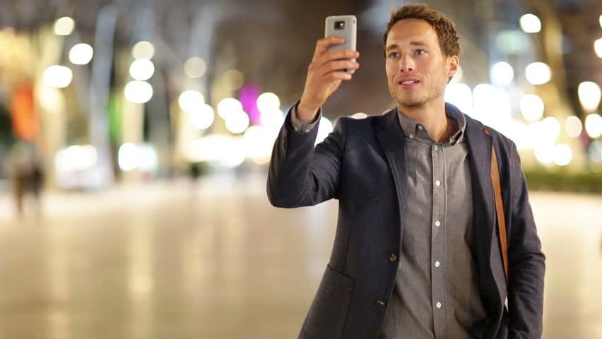 ze smartfonem