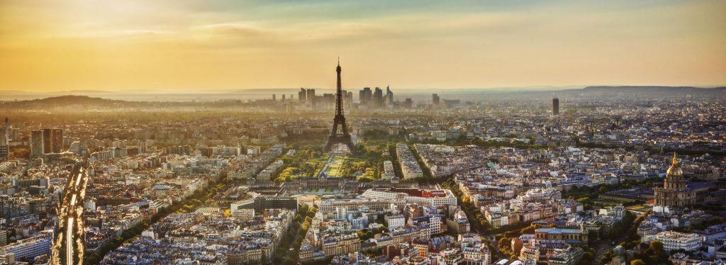 widok na paryż i wieżę eiffla